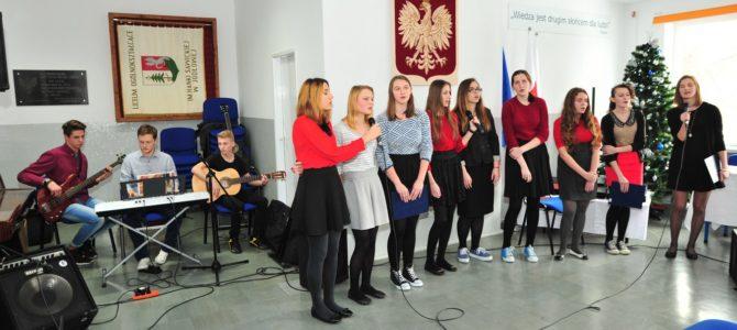 Międzygimnazjalny Konkurs Kolęd  oraz otwarcie pracowni językowej, iTV Południe